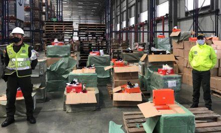 Incautan de 6.936 pares de calzado de contrabando
