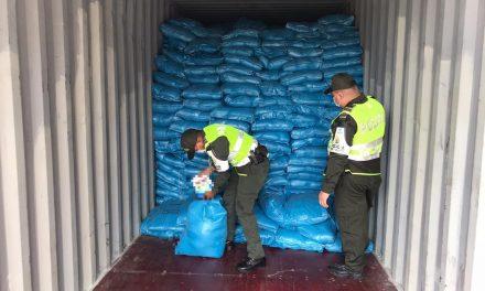 Incautan contenedor con 31.120 elementos de aseo en Cartagena