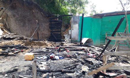 Incendio destruyó vivienda en el barrio La María