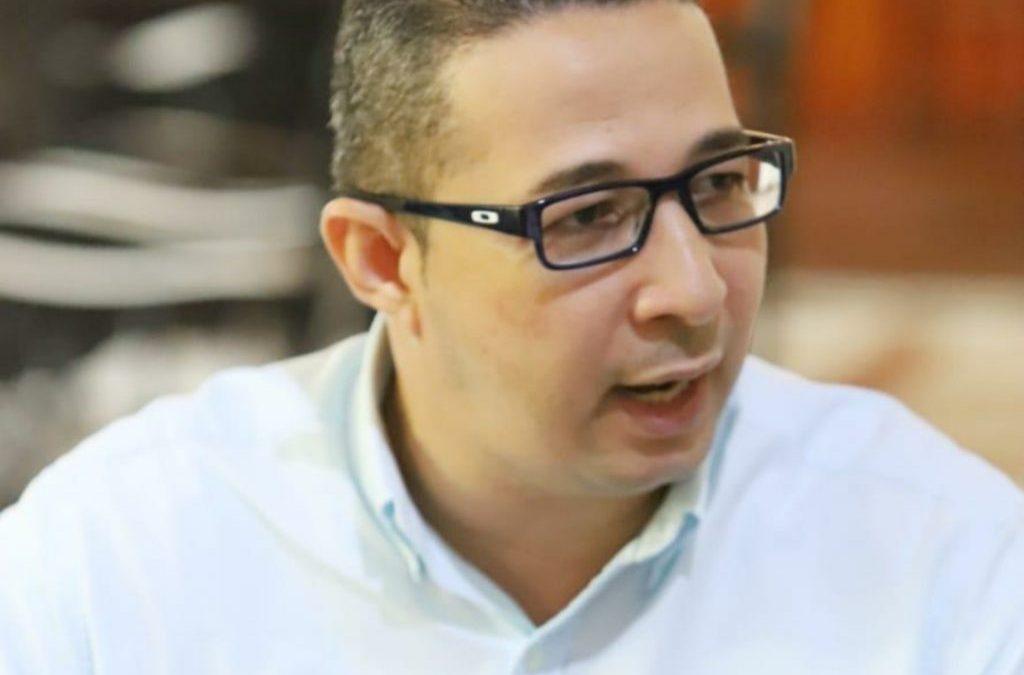 Alcalde Local Aroldo Coneo desmiente acusaciones expresadas sobre un cartel de certificados de vecindad