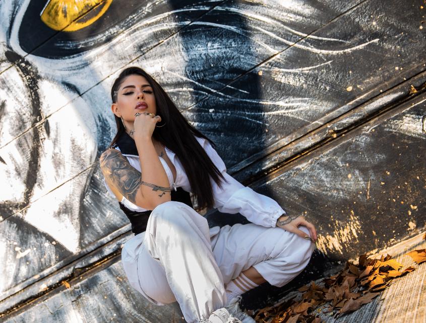"Babydoll, artista argentina presenta ""Me gustas"""