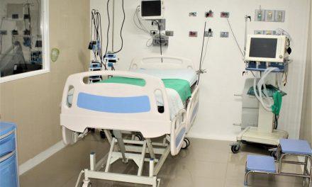 Ocupación de camas UCI disminuye a 48%, el más bajo durante toda la pandemia
