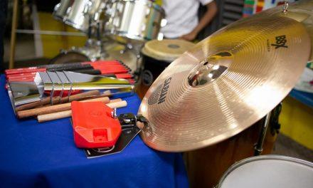 Roban 54 instrumentos musicales en Cartagena