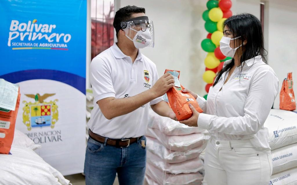 Gobernación de Bolívar entrega insumos para zonas campesinas
