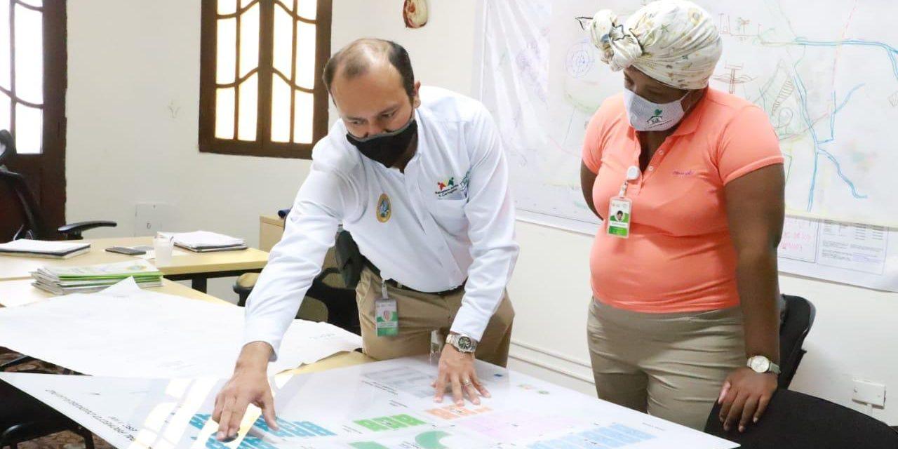 Corvivienda y la Primera Dama trabajan por los hogares más necesitados en Cartagena