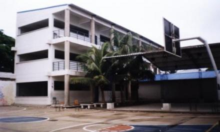 Suspenden por un año a docente de la Institución Educativa José de la Vega