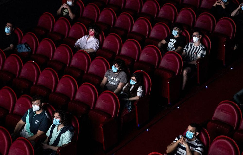 Minsalud expide protocolo de bioseguridad para cines y teatros