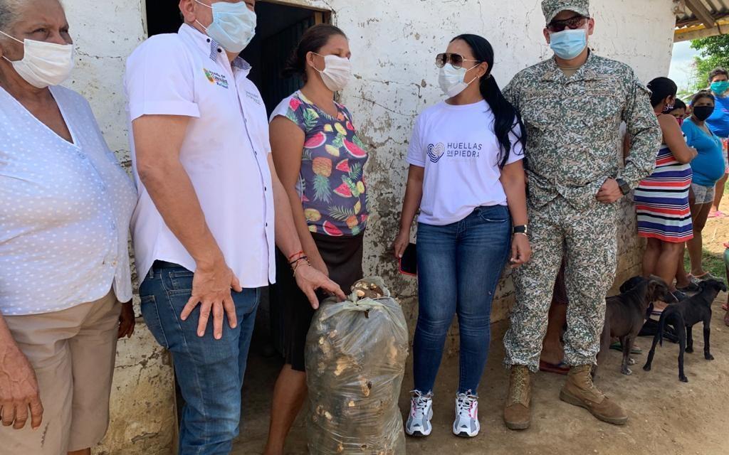 Fundación Huellas de Piedra compra toneladas de yuca y ñame a campesinos