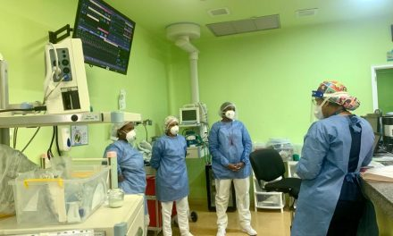 Equipo de Salud de la Casa del Niño recibe capacitación sobre el abordaje de padres ante una hospitalización de sus hijos