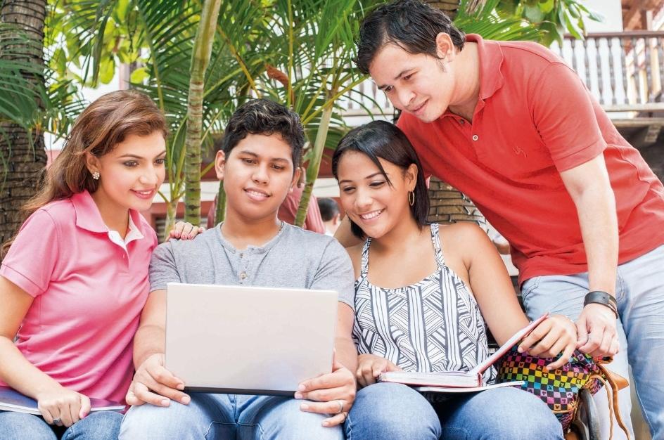 """Brilla entregará 10 computadores portátiles a través del concurso """"Estudia sin Excusas"""""""