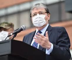 Ministro de Defensa con ventilación mecánica y sedado tras contagio de Covid-19