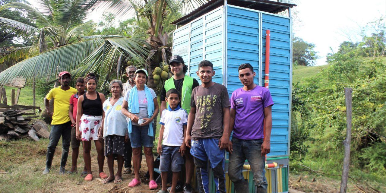 Tierra Grata instala baños ecológicos en Corralito