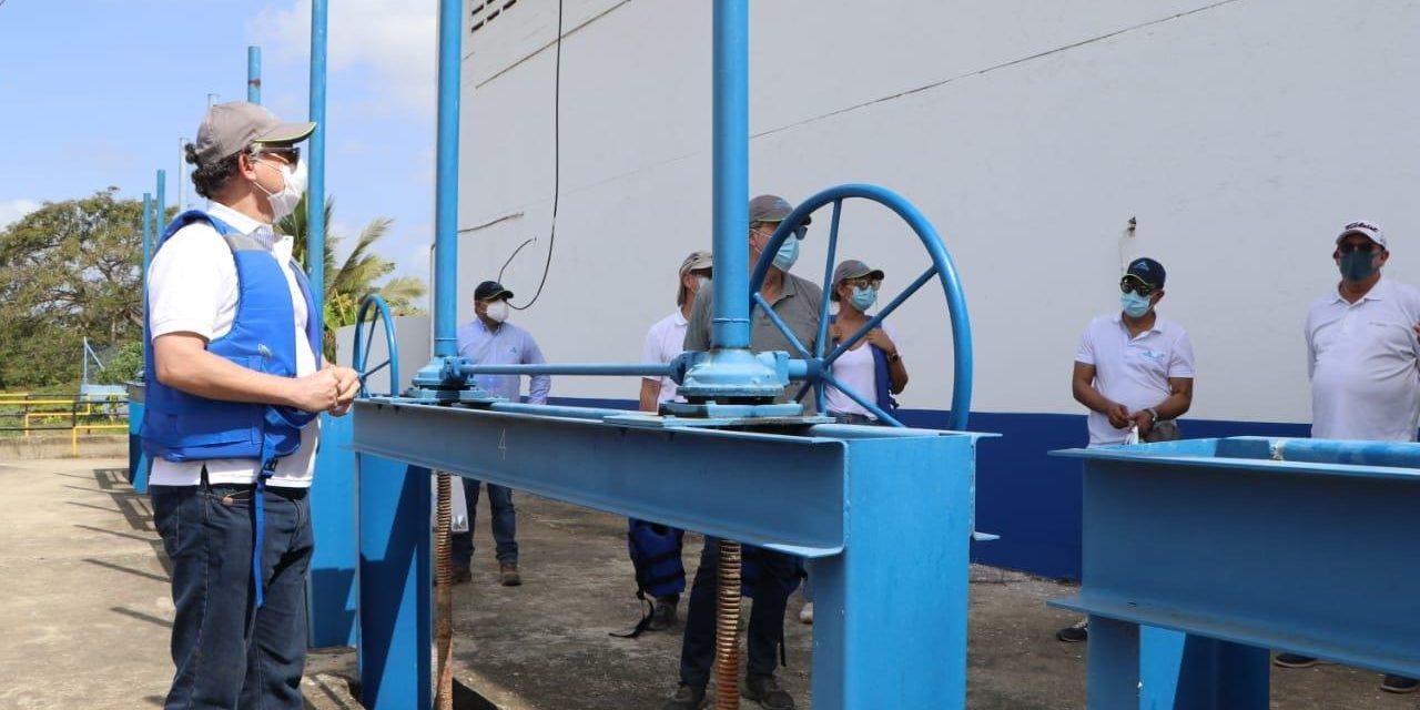 Acuacar realiza recorrido por su infraestructura operativa con funcionarios del gobierno distrital