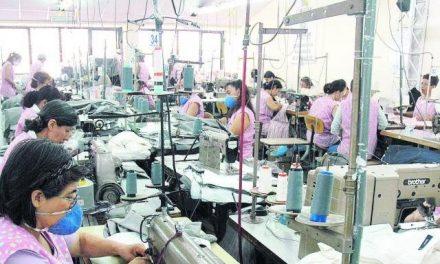 Retroceso en empleo femenino