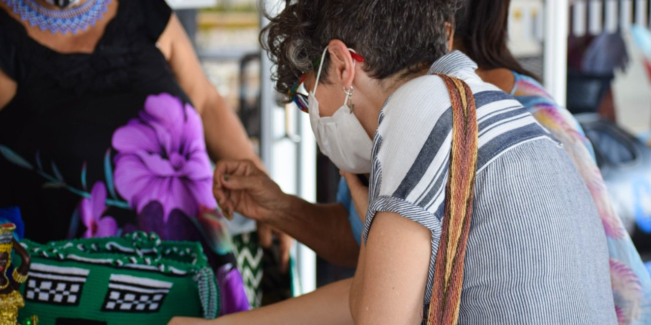 Con nuevas vitrinas artesanas de Cartagena venderán sus productos en Semana Santa