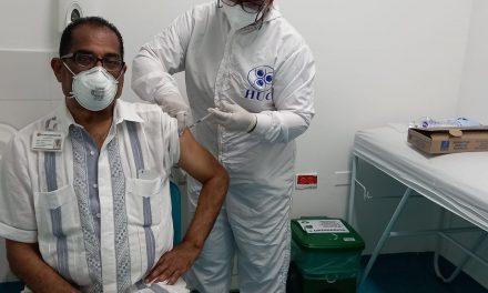 Primera lína de defensa recibe segunda dosis de vacunación