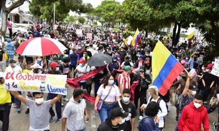 """Barranquilla marcho y le dijo """"NO"""" a la Reforma Tributaria"""