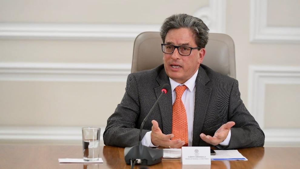 ¿Quién reemplazará a Carrasquilla en el Ministerio de Hacienda?