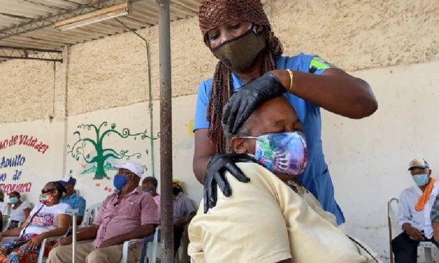 Secretaría de Participación lleva salud integral a adultos mayores en Bayunca