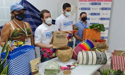Campesinos de Bolívar y Sucre participan en exitosa rueda de negocios