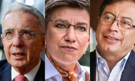 """""""Uribe y Petro, par de oportunistas irresponsables"""": Claudia López"""