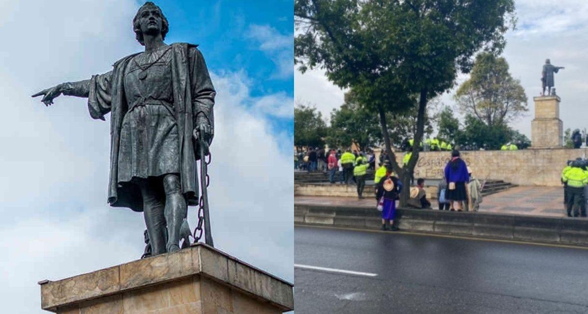 Retiran monumento de Cristóbal Colón que indígenas intentaron derribar