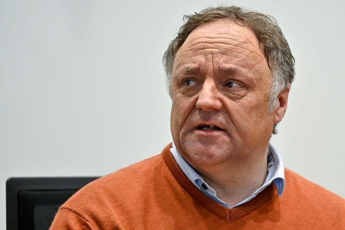 Investigador del Covid-19 en Bélgica fue amenazado de muerte