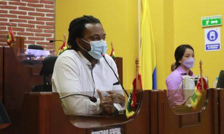 Armando Córdoba reacciona en twitter ante moción de censura