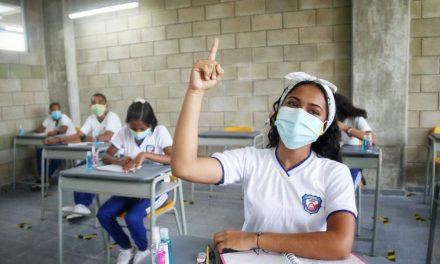 Retornan a clases presenciales 107 colegios públicos de Barranquilla