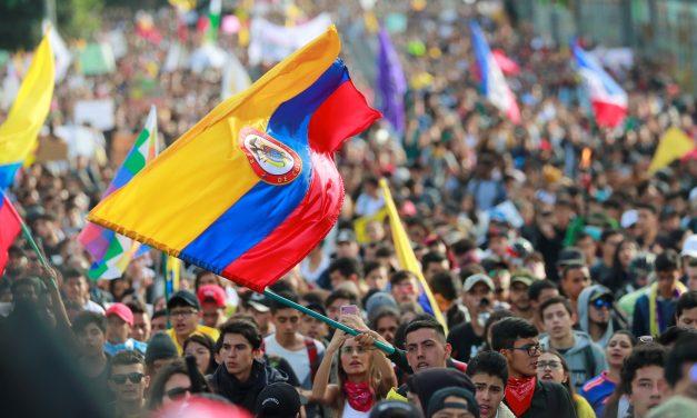 Colombia amanece con nueva jornada de protestas el día de su independencia