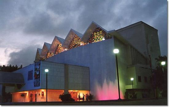Teatro Amira de la Rosa en Barranquilla será intervenido luego de durar años en el abandono