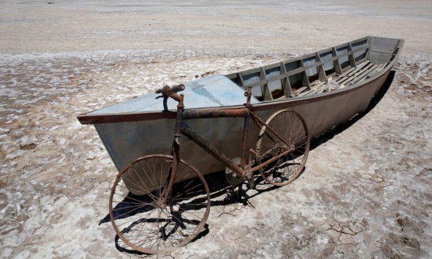 El lago Poopó pasó de ser el segundo lago más grande de Bolivia a ser desierto