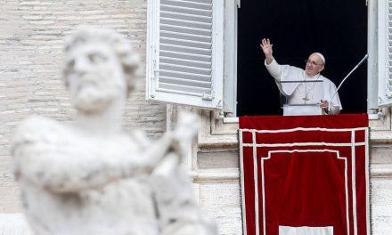 Carta enviada al Papa Francisco con tres balas fue interceptada en Milán