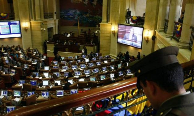 Proyecto de ley de ausentismo castigará a los congresistas que falten a 3 sesiones en el mismo período
