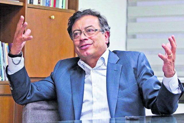 Gustavo Petro cuestiona la aprobación de la nueva reforma tributaria