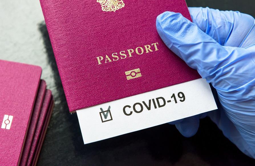 EE.UU. exigirá a viajeros extranjeros estar vacunados contra COVID-19