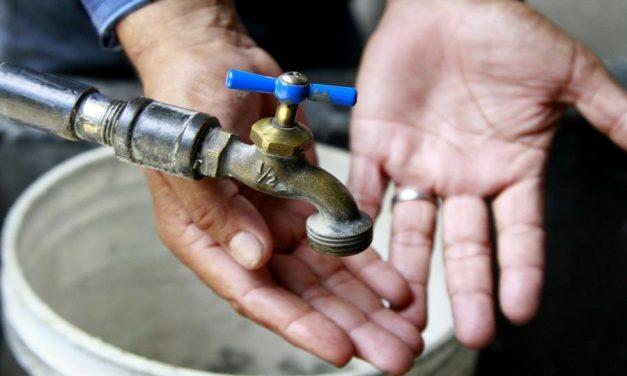 ¿Qué pasa con la Triple AAA en Barranquilla? Agua turbia sigue saliendo por los grifos de los barranquilleros