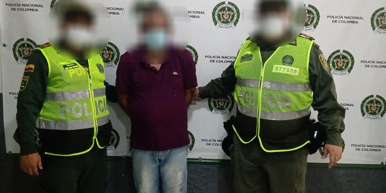 Policía captura a entrenador de futbol por acto sexual abusivo con menor de 14 años