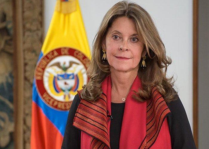 Colombianos residentes en Francia y diputados expresaron descontento con la visita de Marta Lucía Ramírez